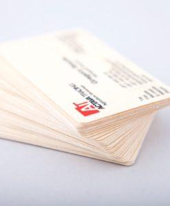 Unikt visitkort i trä